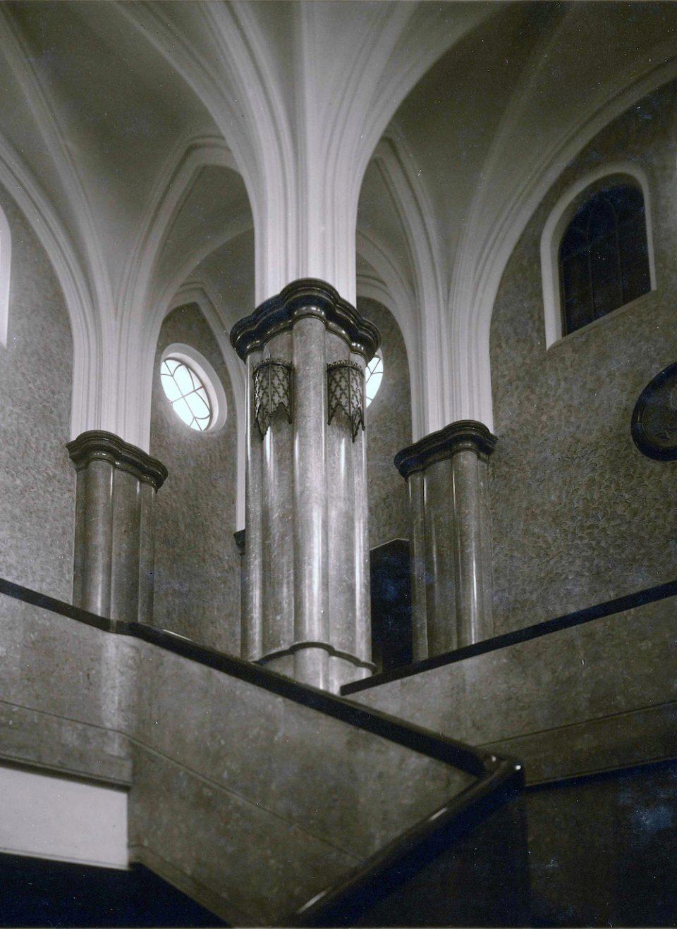 階下から見上げたアインシュタイン・ドーム(写真: 北海道大学大学文書館提供)